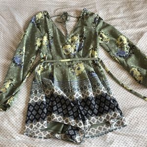 Dry goods Long sleeve, open back floral romper